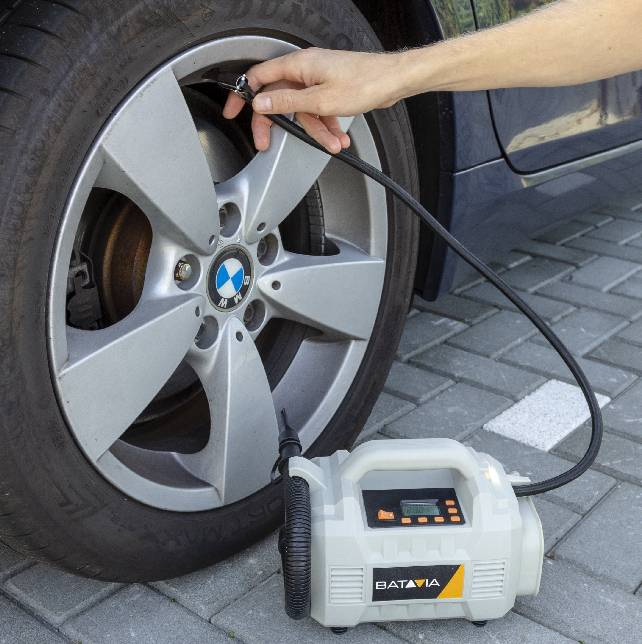inflating tyre