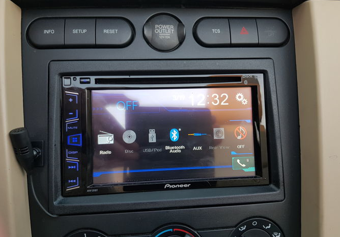double din car stereo with sat nav
