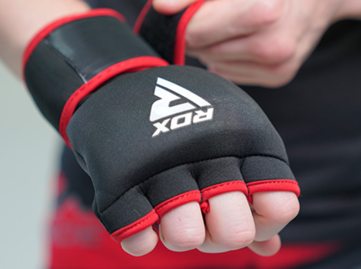 MMA gloves uk